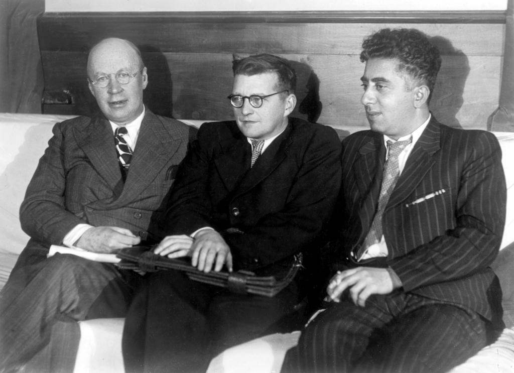 De tre store repræsentanter for sovjetisk musik: Fra venstre:Sergei Prokofiev, Dmitrij Sjostakovich og Aram Khachaturian.